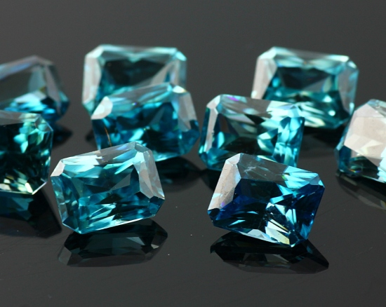 Joopy Gems Blue zircon octagon, 7x9mm