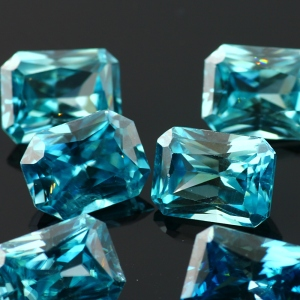Joopy Gems octagon blue zircon, 7-9mm