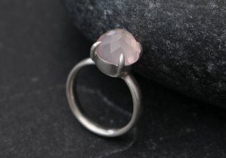 William White rose quartz and sterling silver ring