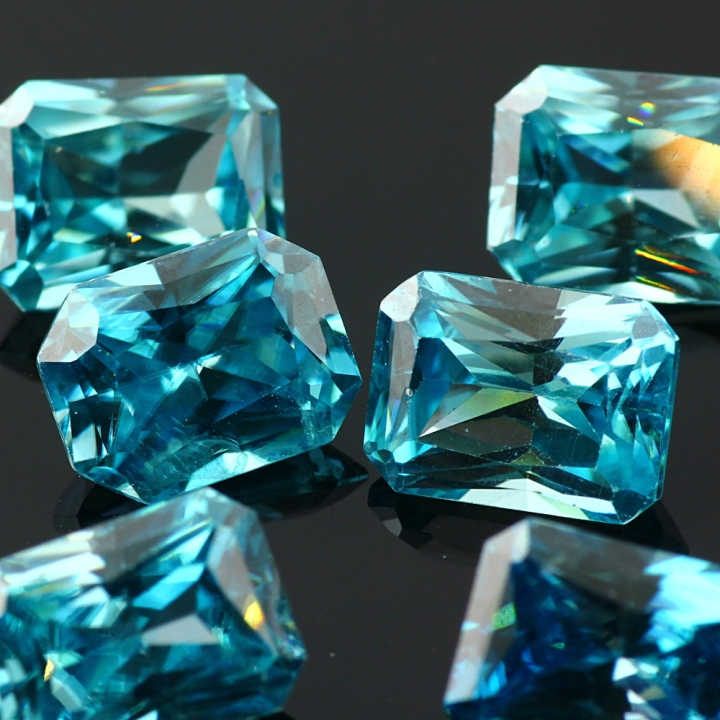 Joopy Gems Blue Zircon 9x7mm octagon